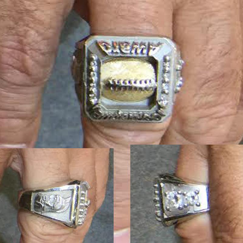Award Ring